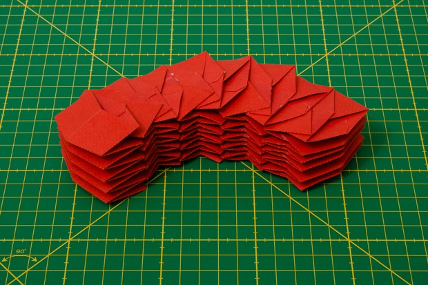 origami. tubos cremallera plegados